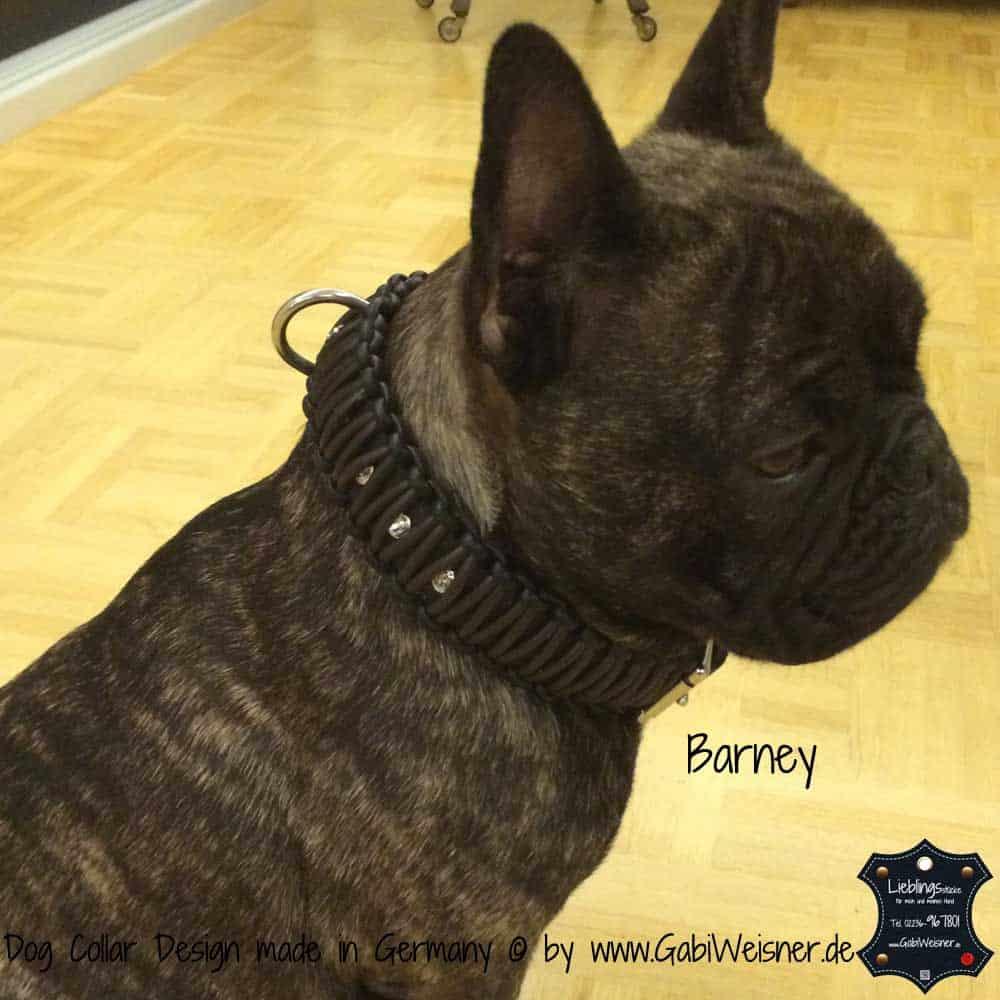 Hundehalsband-aus-Nappaleder-geknotet-und-veredelt-mit-SWAROVSKI-ELEMENTS-Barney-1