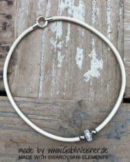 leder-collier-mit-swarovski-perle-2