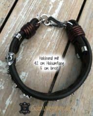 hundehalsband-leder-5-cm-breit-mit-vielen-totenkopfen-3