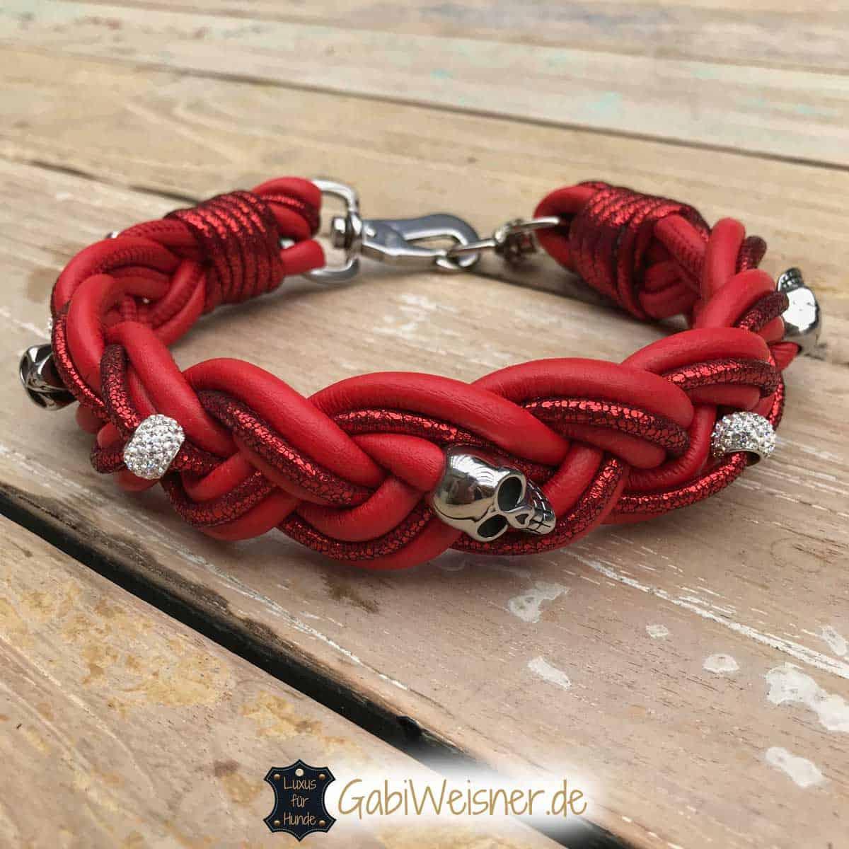 Hundehalsband aus Leder in Rot mit Skull und Strass