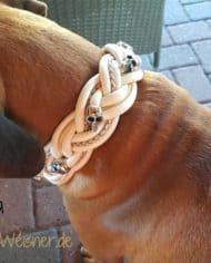 Hundehalsband-Leder-5-cm-breit-geflochten.-Das-Lederbandin-den-Farben-Elfenbein,-Beige,-und-Perlmutt-nia-2