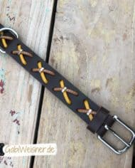 Hundehalsband-Rindsleder-mit-Kreuzen-braun