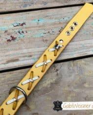 Hundehalsband-Rindsleder-mit-Kreuzen-gelb-2