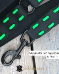 Steppmuster-mit-Nappalederband-in-Neon—Grün
