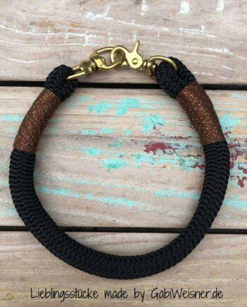 Halsband und Leine für große Hunde. Kletterseil 16 mm dick