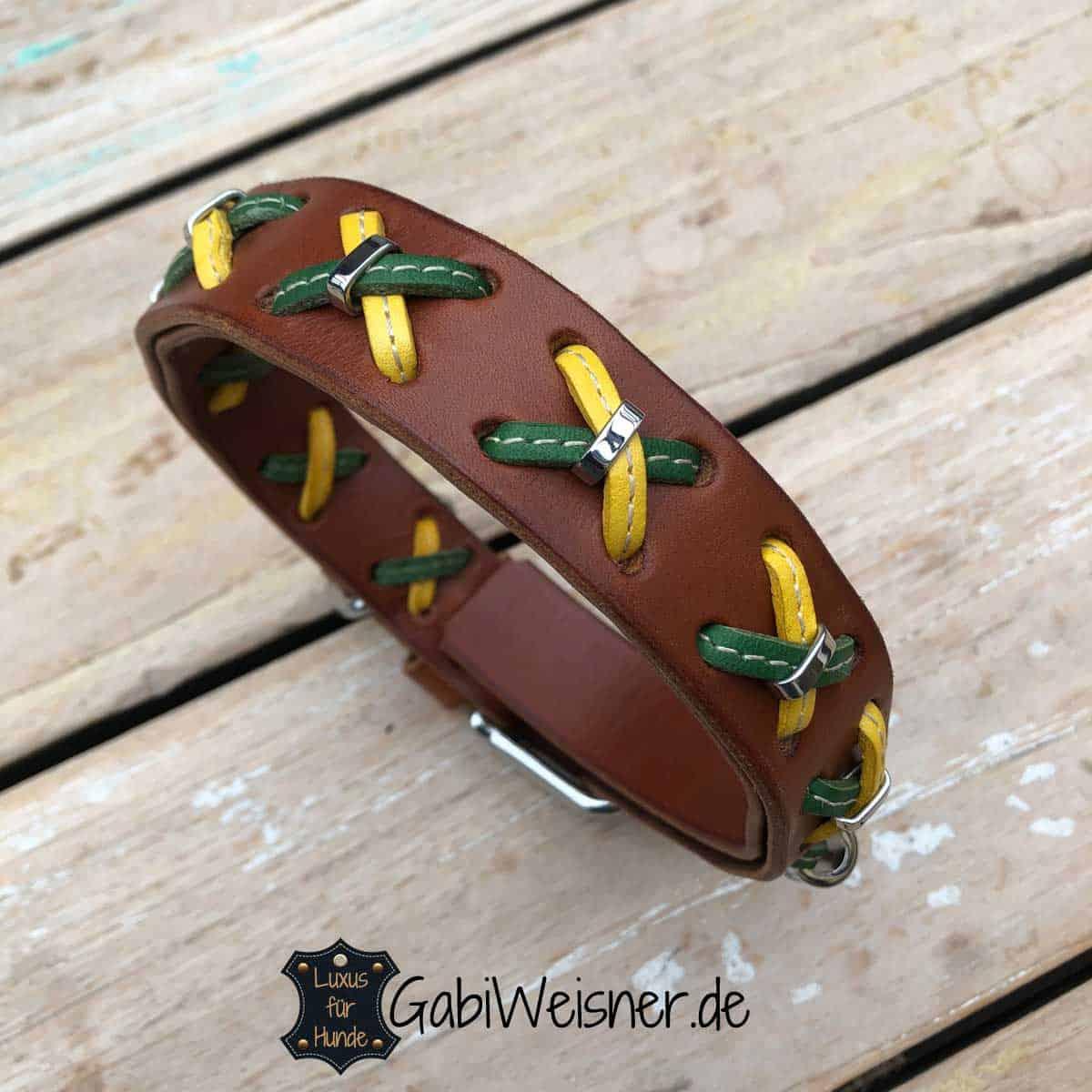Hundehalsband Leder 2,5 cm breit mit Kreuz in Gelb-Grün. Rindsleder in Braun,