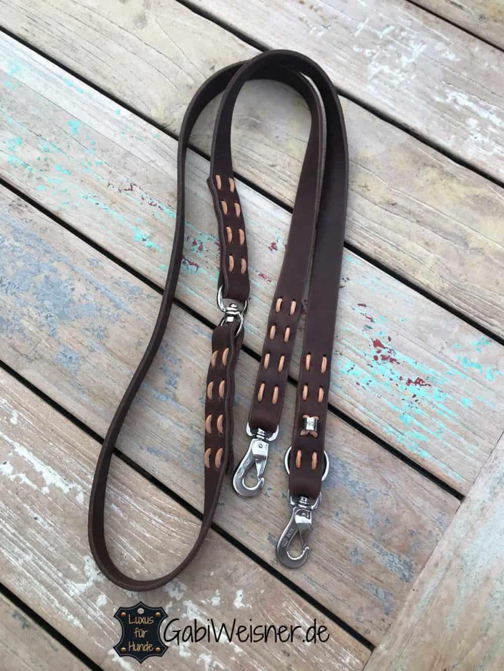 Beispiel: Hundeleine Leder mit Drehwirbel. 2,5 cm breit 2,2 m lang. Bestückt mit SPRENGER® Haken.
