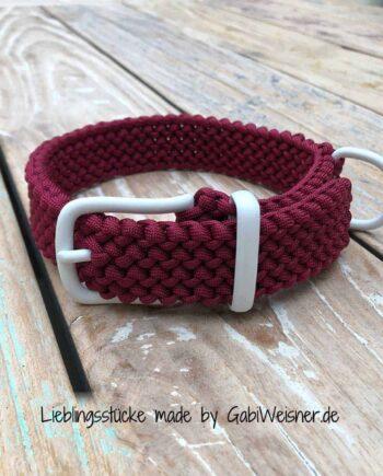 Hundehalsband Dunkelrot Weiß 3 cm breit stufenlos verstellbar. Inklusive Schlüsselanhänger. Bestückt mit Beschlag aus Edelstahl in Weiß