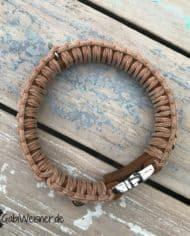 Hundehalsband-mit-Klickverschluss-Leder-40-mm-breit-cognac-natur