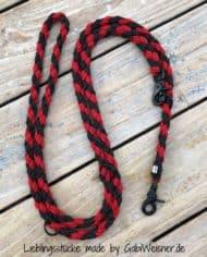HundeLeine-in-Schwarz-Rot