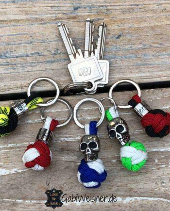 Schlüsselanhänger Fußball Rot/Weiß Blau/Weiß Schwarz/Gelb Grün/Weiß Schwarz/Rot