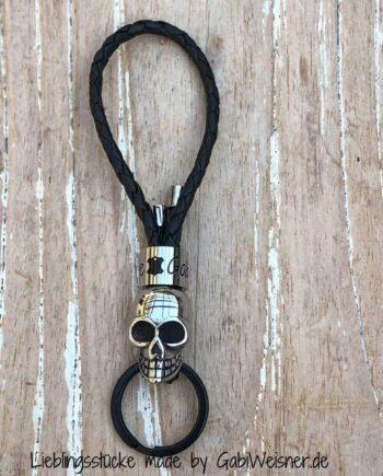 KeyBoy Skull auf Leder in Schwarz Schlüsselanhänger für Männer