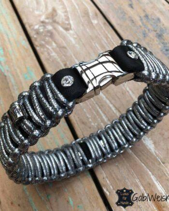 Hundehalsband in Silber Glitzer. Lederhalsband 35 mm breit geknotet.