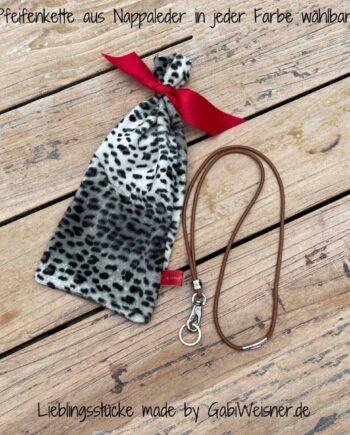 Geschenkidee für den Hundehalter. Pfeifenband aus Nappaleder in jeder Farbe.