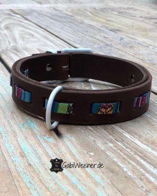Hundehalsband-verstellbar-mit-Verschluss-in-Weiß.-Hippie-Look