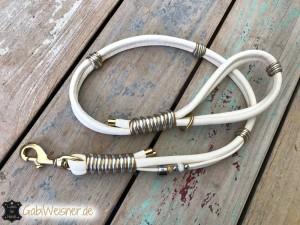 Luxus-für-Hunde-in-Elfenbein,-Gold-und-Silber-1
