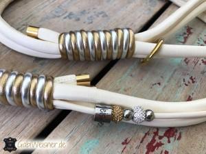 Luxus-für-Hunde-in-Elfenbein,-Gold-und-Silber-2