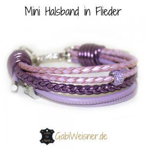Mini-Hundehalsband-mit-Strass-Nappaleder-in-Lila
